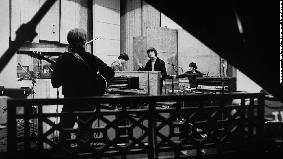 os beatles no estudio sob a lente de robert freeman